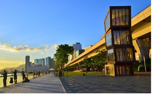 观塘海滨长廊